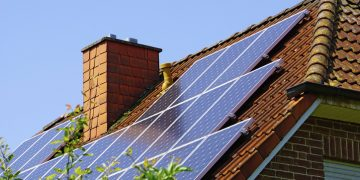 California's New Solar Panel Mandate Is Historically Bad Policy