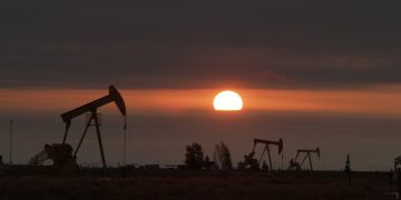 """Texas Gains Over 26,000 Energy Jobs As It """"Shatters"""" Oil Production Records"""