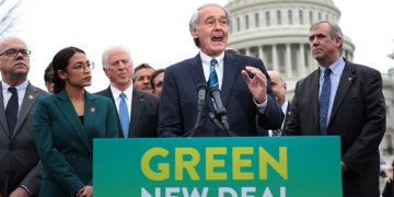 """""""Green New Deal"""" Under Fire From Left, Right & Center"""